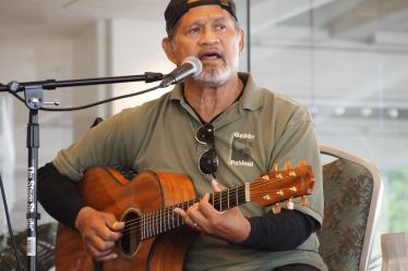 Cyril Pahinui at a slack key guitar workshop.